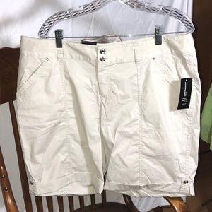 🔥Hot Buy! INC Int'l Concepts Woman Khaki Shorts